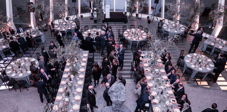 La Asociación de Antiguos Alumnos de EDEM celebra su décimo aniversario con una cena de gala en el Palau de les Arts